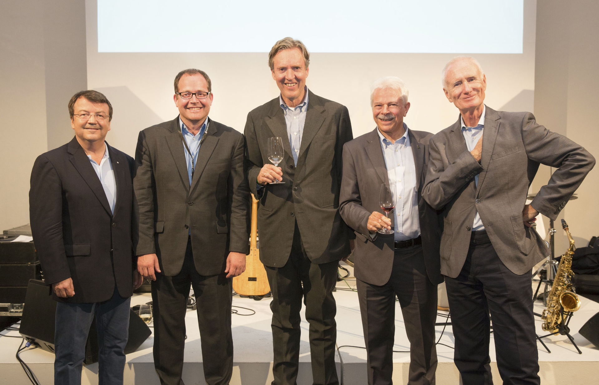 A picture shows the Managing Directors of the AWMB of the last three decades: fltr Willi Klinger, Michael Thurner, Bertold Salomon, Walter Kutscher, Wolfgang Lusak, © Austrian Wine/Anna Stöcher