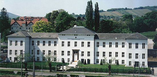A picture shows the Wine School Klosterneuburg