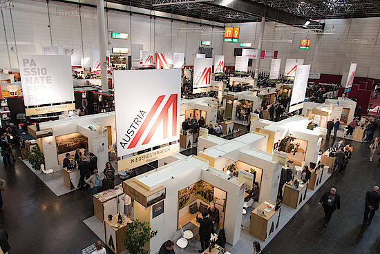 The picture shows the Austrian Hall at ProWein 2016. Copyright: ÖWM/WKÖ/Tibor Rauch